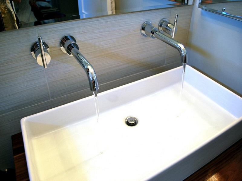 Install a Battery Operated Touchless Hand Sink Faucet in Your Condo